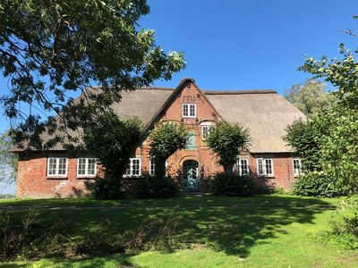 Photo for Newly renovated and listed thatched cottage in the heart of Eiderstedt