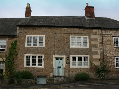 Photo for Charming Grade II listed cottage, sleeps 4, approx 10 miles south of Bath