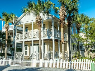 5BR Brzee Bungalow☀ Book 4 Christmas! ☀2 Houses w/PRIVATE Pool- Walk2Beach