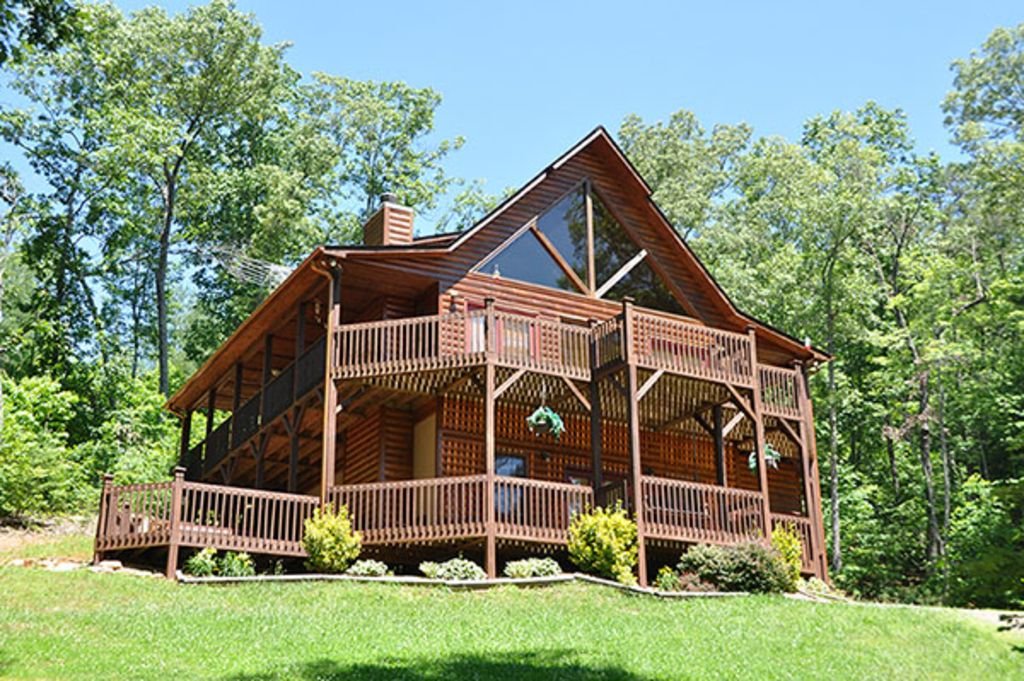 Luxury mountain view 3 bedroom cabin with h vrbo for Northeast ohio cabin rentals