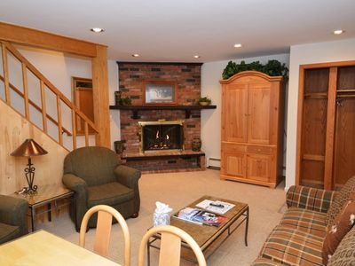Photo for Nice 3 bedroom townhouse, just 2 blocks from downtown Aspen and Gondola. Alpblick11