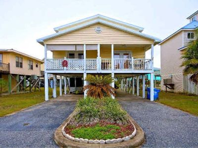 Photo for Beautiful condo located 1.5 blocks from the gorgeous Gulf Shores beach