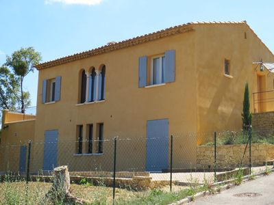 Photo for New Provencal house with superb views of the dome of Apt, Luberon