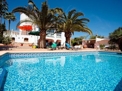 Photo for 4 bedroom Villa, sleeps 8 in Calpe with Pool and WiFi