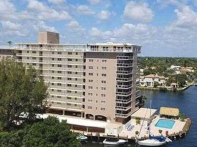 Photo for Renovated 2/2 with ocean and intracoastal views