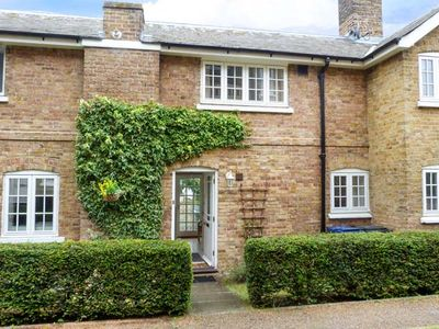 Photo for 9 Swallow Court, HERNE