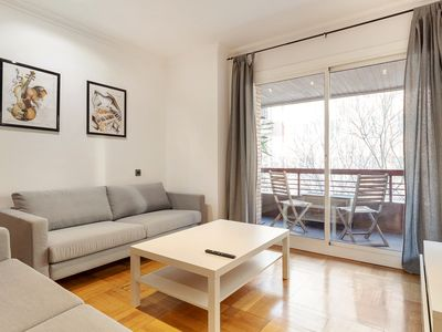 Photo for Lovely and chic 5 Bedroom Apt next to Sagrada Familia