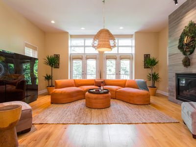Photo for Conference and Chill!! Contemporary home near McCormick Place