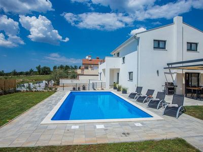 Photo for Holiday house Bencani for 8 persons with 4 bedrooms - Villa