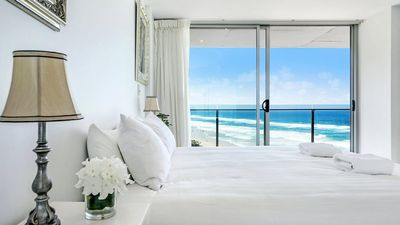 Photo for Absolute Beachfront Central Surfers Paradise