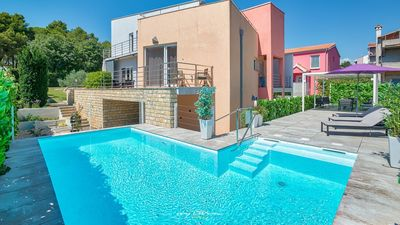 Photo for Stunning villa with pool in Zadar near the sea