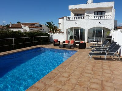 Photo for Superb Villa With Private Pool overlooking the sea front and long sandy beach