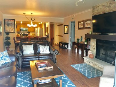 IDEAL 3 BR 2 BA Main St Town Lift Location Family Friendly Great Mountain Views