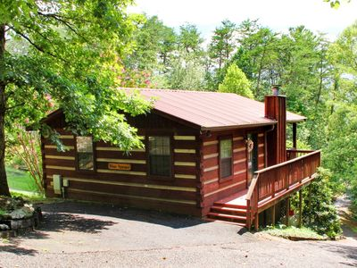 Romantic 1/1 HOT TUB & JACUZZI cabin in the Smokies - Blue Spruce