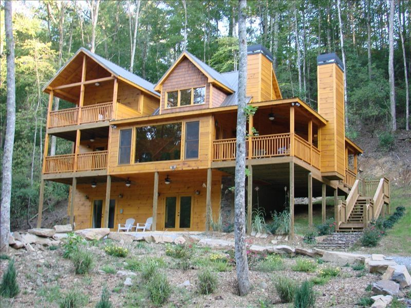 Waterfront luxury 4 3 cabin with hot tub ellijay north for Ellijay cabins for rent by owner
