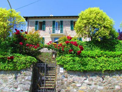 Photo for Villa , private pool, wonderful mountain views. WIFI. Easy to visit cinqueterre!