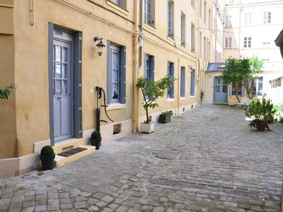 Photo for Your comfortable one-bedroom apartment, at the heart of the old town.
