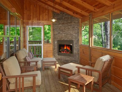 Photo for 4 Bedroom Cabin with Screened in Porch and Outdoor Fireplace!