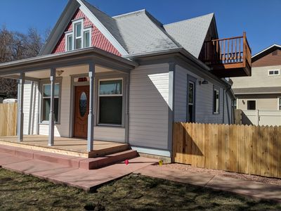 Photo for New Downtown 3BR/2 Bath, sleeps 7, huge yard, updated kitchen, pets ok