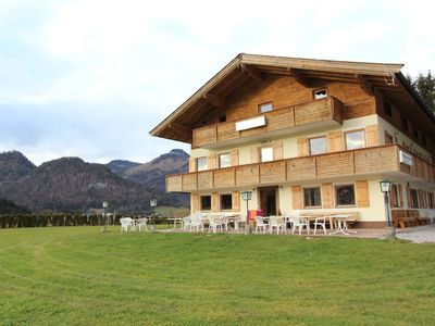 Photo for Detached holiday home with large outdoor area not far from the ski lift!