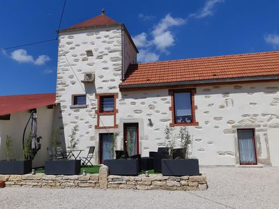 Photo for Le Pigeonnier: Charming cottage near Beaune, swimming pool, air conditioning, terrace