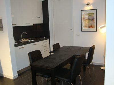 Living kitchen with extendable table for up to 7