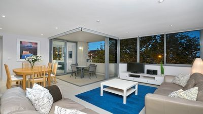 Photo for SPF10 - Immaculately Furnished Central To Cremorne
