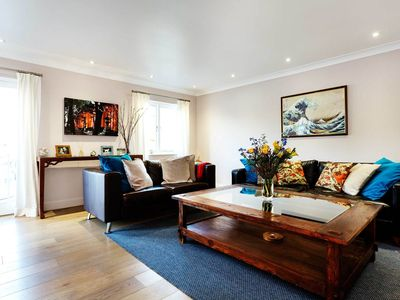 Photo for Tasteful 2 bed mews home, just moments from Tower Bridge! (Veeve)
