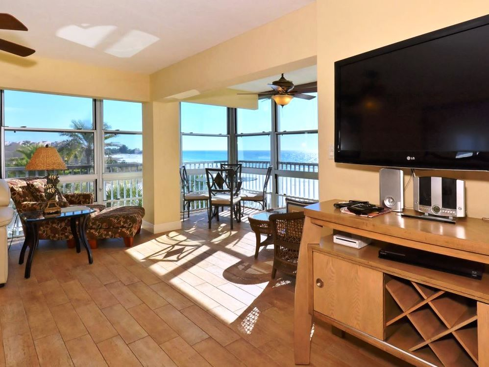 Beachfront Condo 2 Bedroom Luxury Directly On Crescent Beach Siesta Key Florida South Central