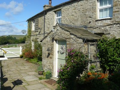 Photo for Low Shaw Farmhouse, great views over Wensleydale, sleeps up to 10, dog-friendly