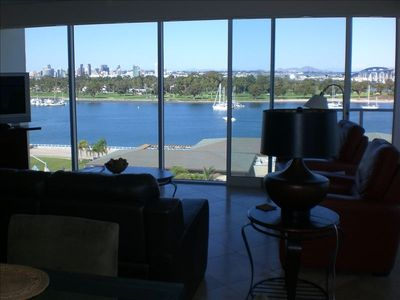 3bd/3BA beautifully redone Shores corner w/Full Bay/Ocean Views--rents by MONTH