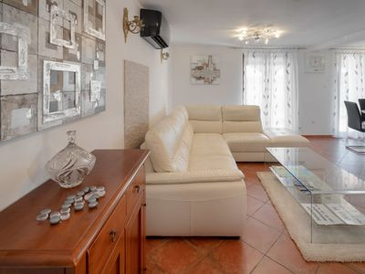 Photo for Vacation home Aleksandra in Pula - 6 persons, 2 bedrooms