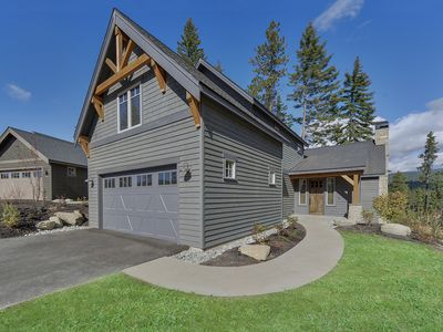 Photo for Cozy Cabin in Suncadia Resort within walking distance to Winery, Golf. Sleeps 9
