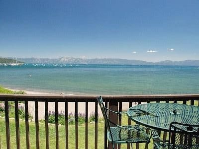 Beach Front Condo Walking Distance to All Shops & Restaurants