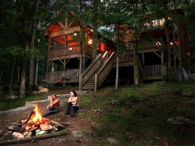 August 1-15  $325/nt.   Private, Luxury River Home, hot tub, kayaks, fire pit