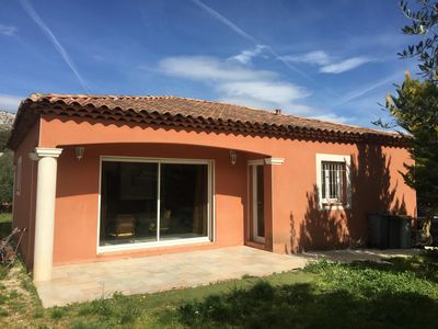 Photo for Recent villa 3 bedrooms with quiet garden near the sea