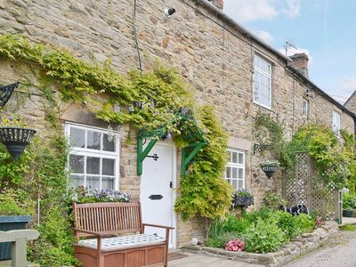 Photo for 17th Century Holiday Cottage Romantic Couples Walkers, River, village shop & pub