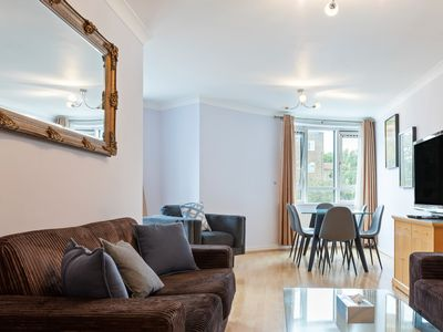 Photo for Lovely 3bed, 3bath apt in South Hampstead