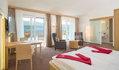 Photo for Double room sea side, 1 - 2 persons - Brugger's Hotelpark am See