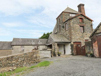 Photo for TOWER COTTAGE, family friendly in Kirksanton, Ref 933120