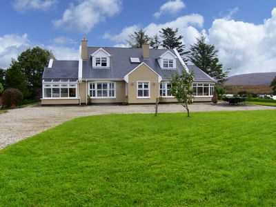 Photo for 4BR Cottage Vacation Rental in Annagry, Donegal
