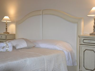 Photo for Elegant Bed and Breakfast in Lucca with parking