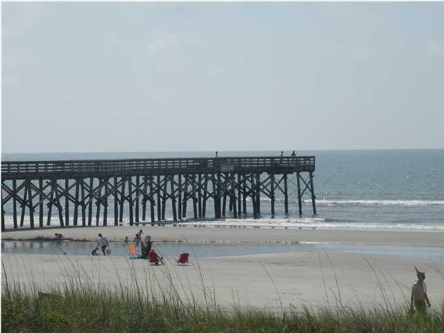 Oceanfront family fun homeaway isle of palms for Isle of palms fishing pier
