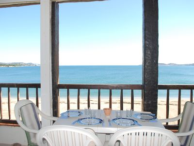 Photo for 4-room apartment on the beach with sea-view