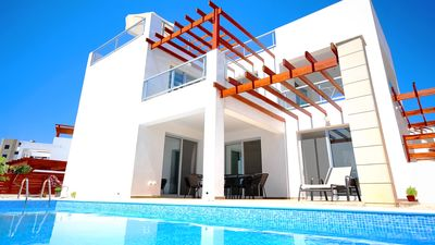 Photo for New Modern Luxury Villa With 3 Bedrooms and 3 Bathrooms