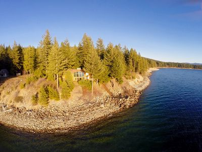 Photo for SAVE 25% NOW! Amazing Views-Waterfront Home-Deck-Game Rm-Hot Tub-Nr Suncadia