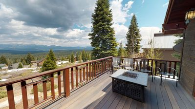 Photo for Mountain Peak - Gorgeous Tahoe Donner 5 BR with Hot Tub and Amazing Views