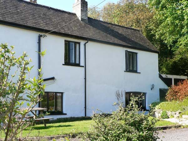 Old vicarage cottage pet friendly in hay on wye ref 9211 - Pet friendly cottages with swimming pool ...