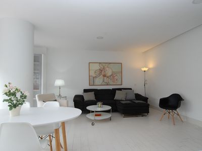 Photo for FANTASTIC APARTMENT IN THE CENTER OF THE CITY 10 MINUTES FROM THE BEACH