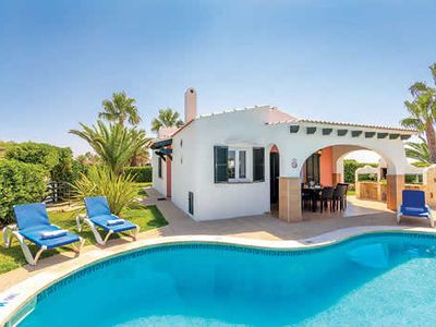 Photo for Ideally located villa close to popular resort, with a pool and free Wi-Fi